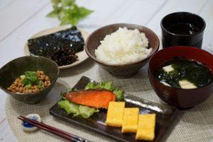 納豆が、女性の高血圧や脳梗塞などを防ぎます!