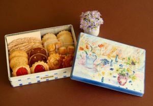5月のプレゼントは銀座ウエストのウエスト通販限定缶(ドライケーキ)です。
