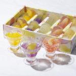7月のプレゼントは、ラ・メゾン白金の2種類のフルーツを使用したフルーツ果肉入りの「2層のフルーツゼリー」です。